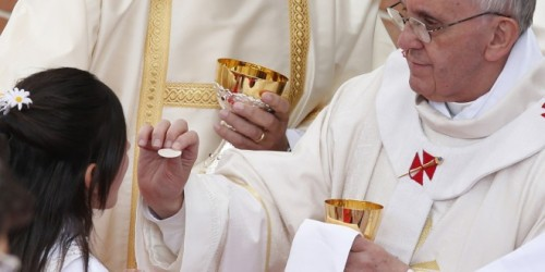 pope-francis-and-eucharist-660x330.jpg (500×250)