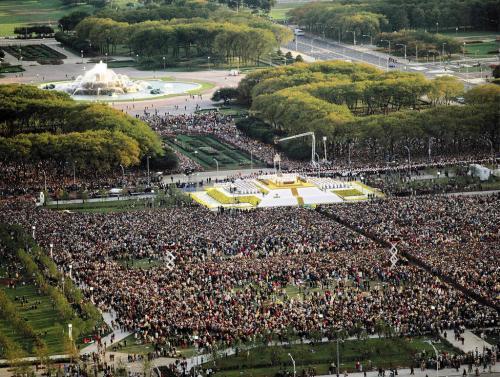 chi-pope9-20020416